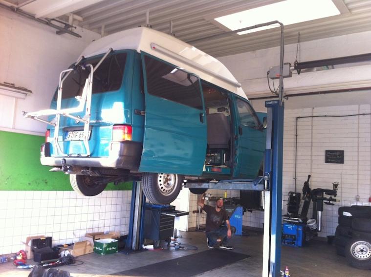 Zahnriemenwechsel und Kupplung tauschen VW Bus