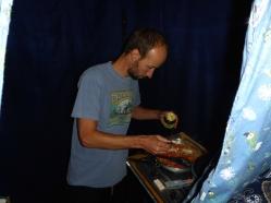 Kochen im Zelt.