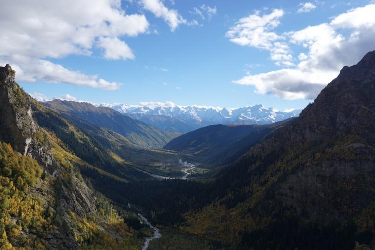 Ushba Gletscher Wandern Kaukasus Mestia Swanetien