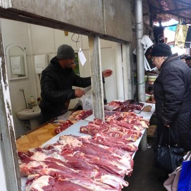 Fleischverkauf auf dem Markt von Gyumri.