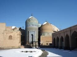 Das Mausoleum von außen.