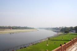 Ausblick zum Fluss.
