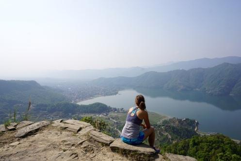 Aussicht vom Hausberg auf Pokhara.