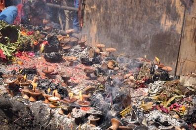 Opfergaben am Tempel von Manakamana.