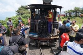 Toy Train und indische Touristen.