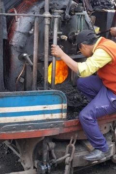 Lokführer bei der Arbeit.