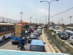 Stau in Kathmandu.