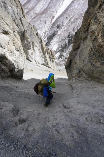 ... gefolgt vom steilen Abstieg.