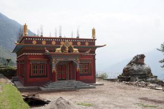 Auch Tempel werden neu gebaut.