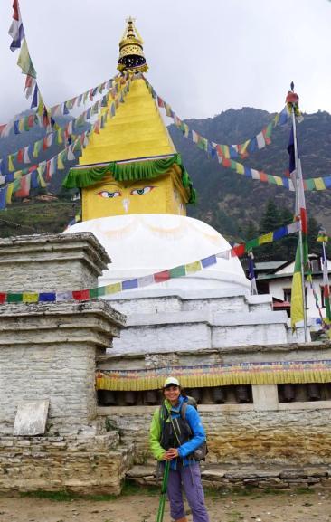 Farbenfrohe Stupa.