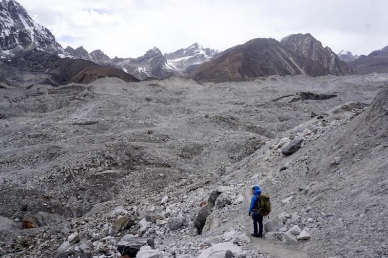 Der Ngozumpa Gletscher.
