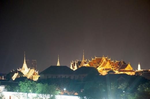 Grand Palace bei Nacht.