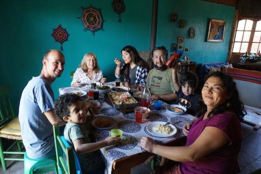 Essen mit der Familie.